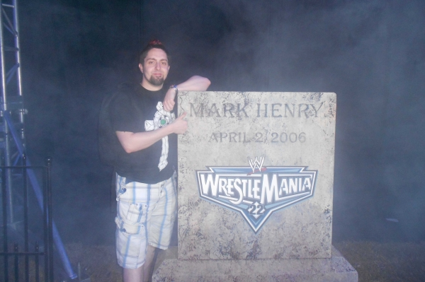 wwe-wrestlemania-28-axxess-graveyard