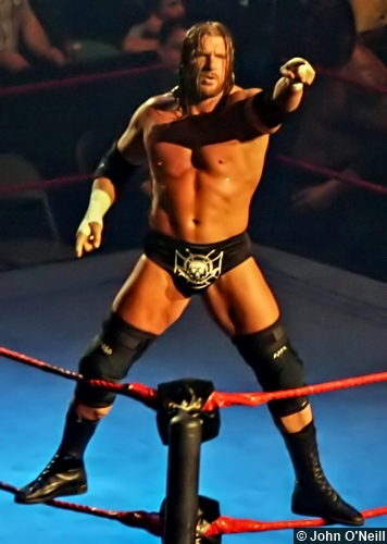 wwe-triple-h-pointing