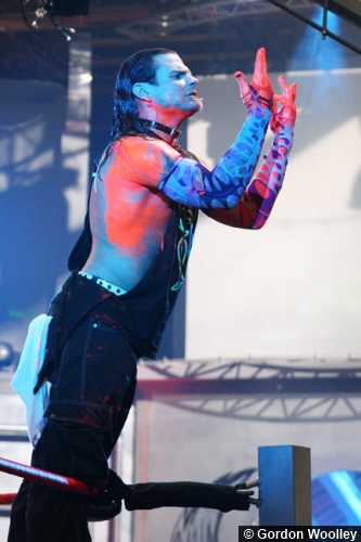 tna-jeff-hardy-ropes-hand-sign