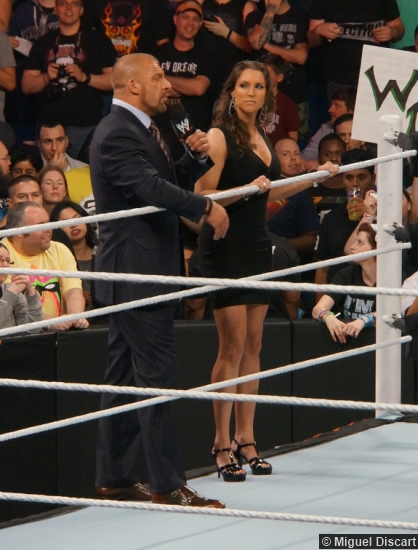 wwe-07042014-triple-h-stephanie-mcmahon-2