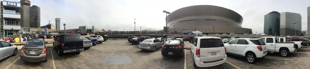 parking-lot-crowd1