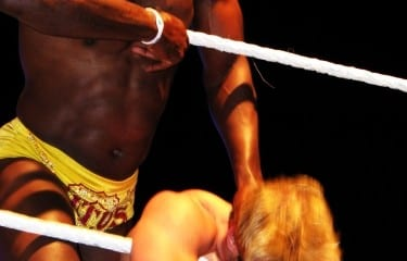 wwe-titus-oneil-zack-ryder-ropes-choke