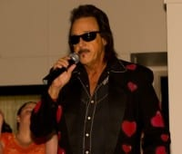 jimmy-hart-microphone