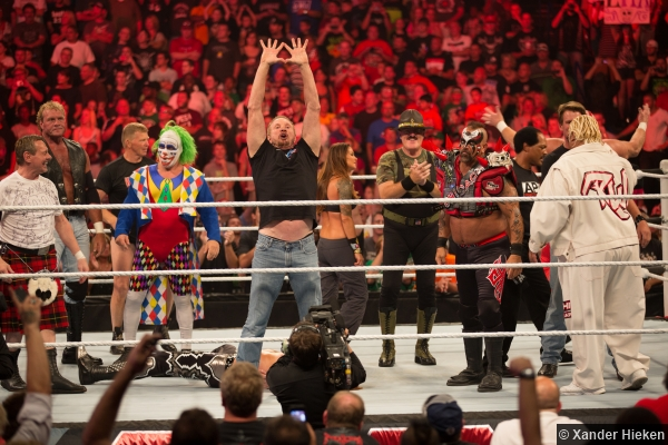 WWE Raw 1000 Legends in the Ring