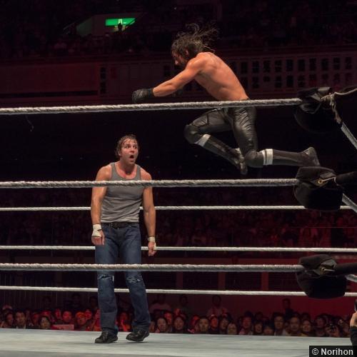 11072014 Wwe Dean Ambrose Seth Rollins Knee