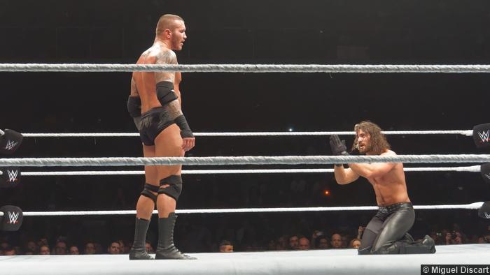 Seth Rollins Beg Randy Orton 17042015