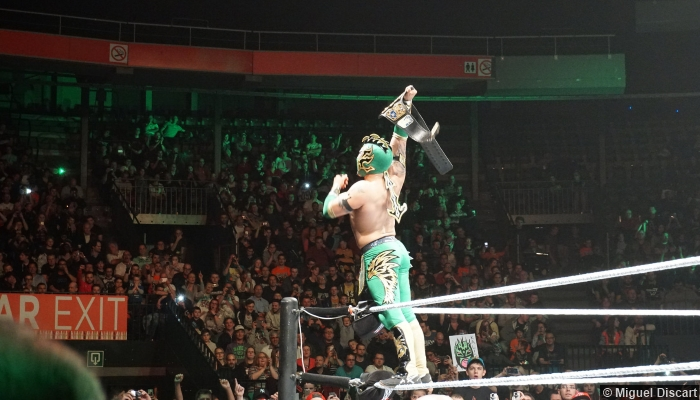 210416 Kalisto Us Title Belt Crowd