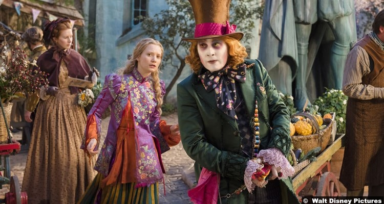 alice-looking-glass-mia-wasikowska-mad-hatter-johnny-depp
