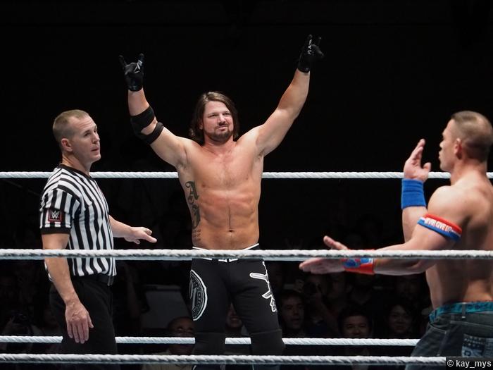 01072016 Aj Styles John Cena 1