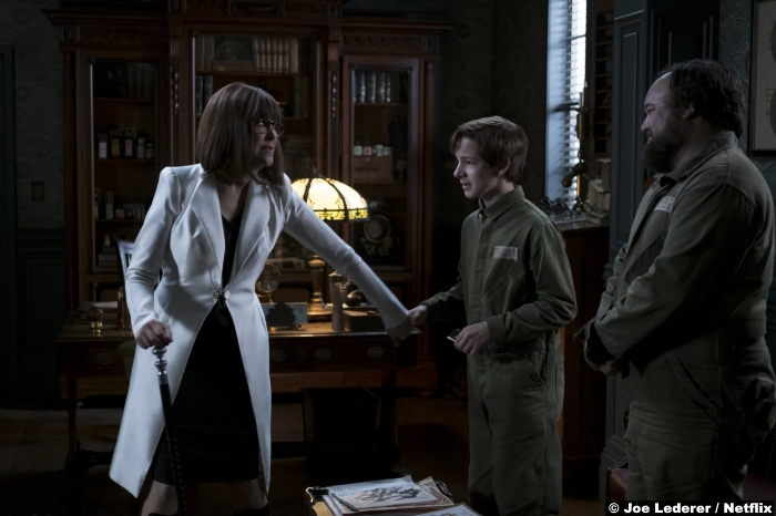 Series Unfortunate Events Netflix S1e7 Catherine Ohara Louis Hynes