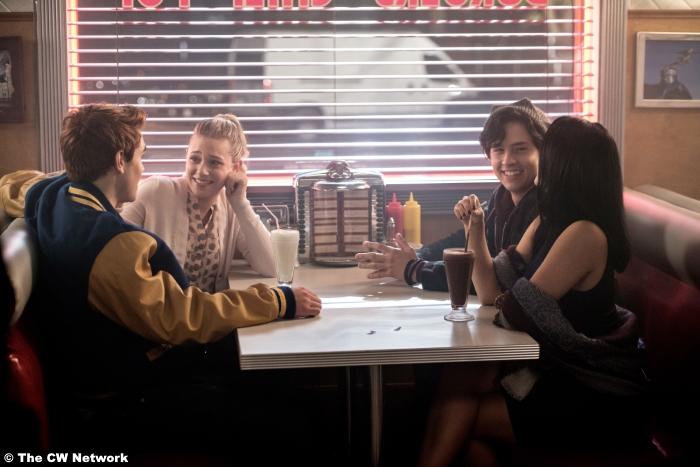 Riverdale S01e02 Cole Sprouse Lili Reinhart Camila Mendes Kj Apa