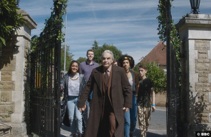 Doctor Who S10e4 2 Landlord David Suchet