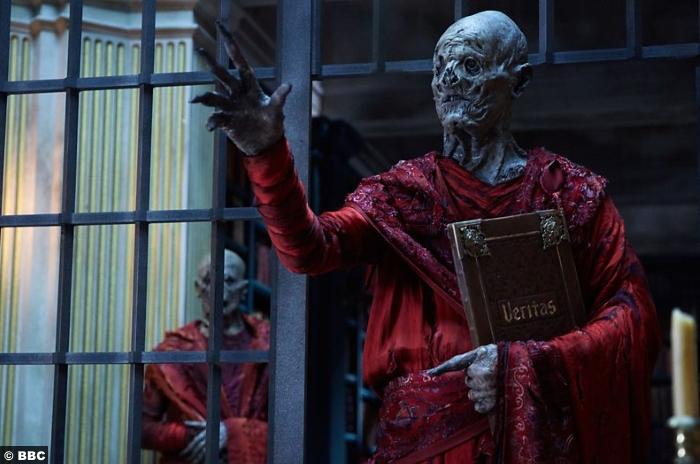 Doctor Who S10e6 Monks