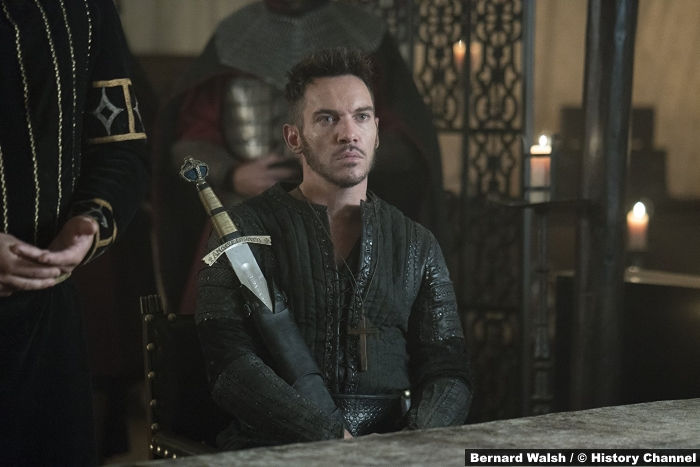 Vikings S05e1 Jonathan Rhys Meyers Bishop Heahmund