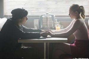 Riverdale S02e8 Cole Sprouse Lili Reinhart Jughead Betty