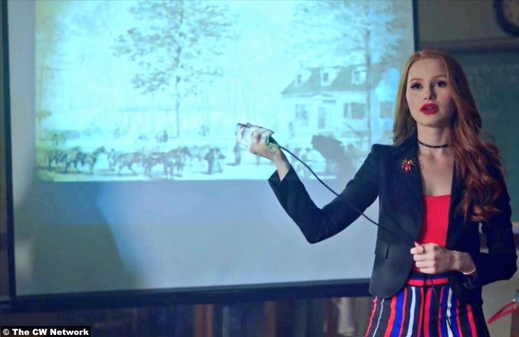 Riverdale S02e11 Madelaine Petsch Cheryl Blossom