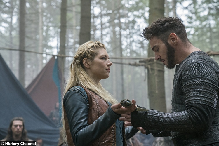 Vikings S05e9 Jonathan Rhys Meyers Bishop Heahmund Katheryn Winnick Lagertha