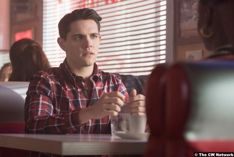 Riverdale S02e14 Casey Cott Josie Kevin