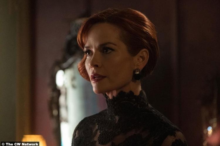 Riverdale S02e15 Nathalie Boltt Penelope Blossom