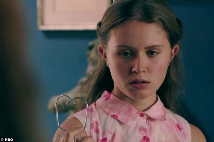 Sharp Objects S01e05 Eliza Scanlen Amma Crellin