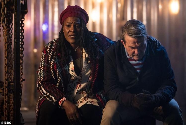 Doctor Who S11e01 Sharon Clarke Bradley Walsh Grace Graham Obrien