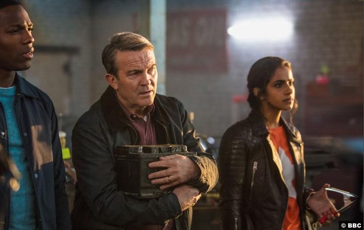 Doctor Who S11e01 Tosin Bradley Walsh Mandip Gill Ryan Graham Yas