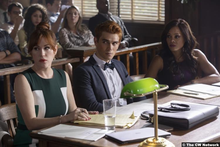 Riverdale S03e01 Kj Apa Archie Molly Ringwald