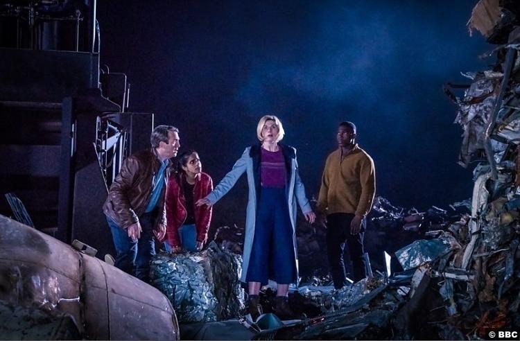 Doctor Who S011e05 Yasmin Mandip Gill Ryan Tosin Cole Jodie Whittaker Graham Bradley Walsh
