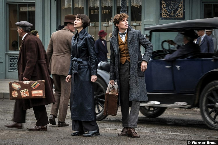 Fantastic Beasts Crimes Grindelwald Eddie Redmayne Katherine Waterston