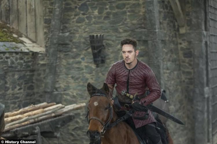 Vikings S05e12 Jonathan Rhys Meyers Bishop Heahmund