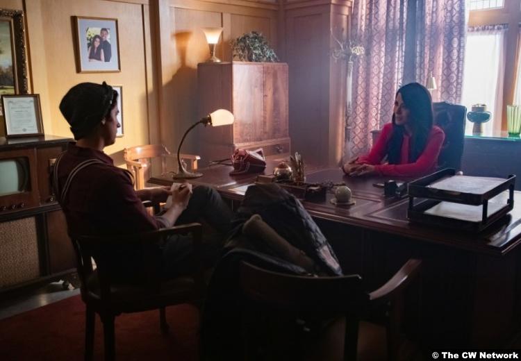 Riverdale S03e11 Marisol Nichols Hermione Lodge Cole Sprouse Jughead