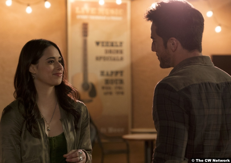Roswell Nm S01e02 Nathan Parsons Jeanine Mason Max Liz