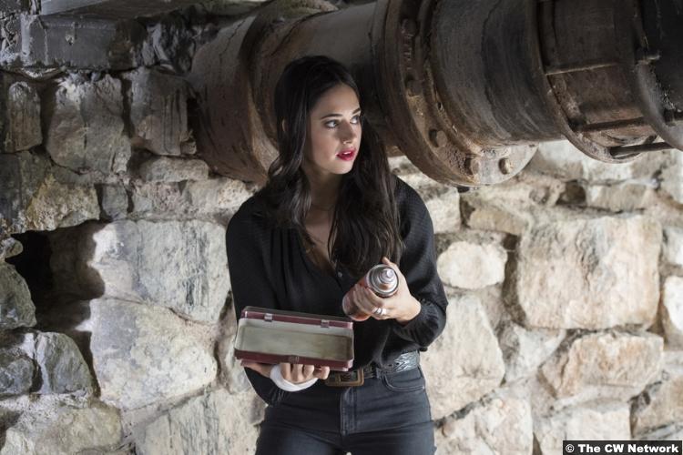Roswell Nm S01e03 Jeanine Mason Liz Ortecho