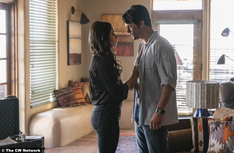 Roswell Nm S01e03 Nathan Parsons Jeanine Mason Max Evans Liz Ortecho