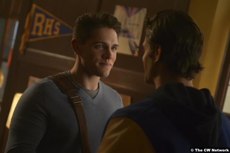 Riverdale S03e12 Casey Cott Josie Kevin