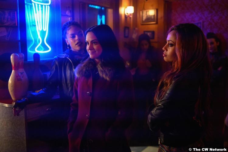 Riverdale S03e14 Camila Mendes Veronica Lodge Vanessa Morgan Toni Topaz Bernadette Beck Peaches Cream
