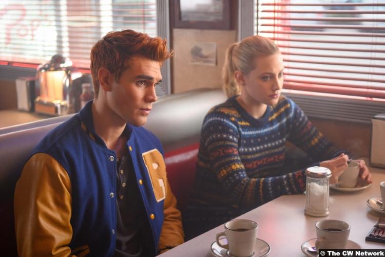 Riverdale S03e14 Lili Reinhart Kj Apa Archie Andrews Betty Cooper