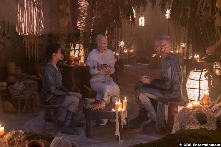 Star Trek Discovery S02e06 Michael Burnham Saru Doug Jones Sonequa Martin Green