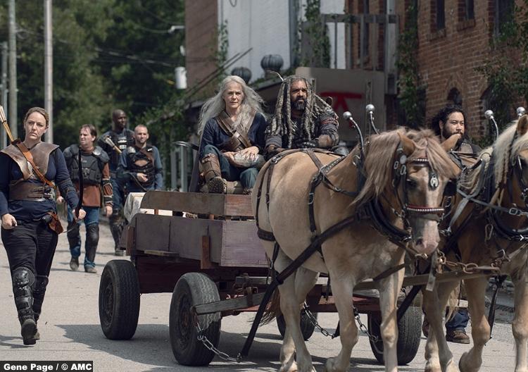 Walking Dead S09e11 Melissa Mcbride Carol Peletier Khary Payton Ezekiel Cooper Andrews Jerry