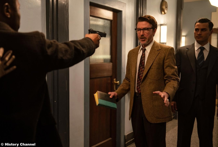 Project Blue Book S01e09 Michael Malarkey Captain Michael Quinn Aiden Gillen Dr Allen Hynek