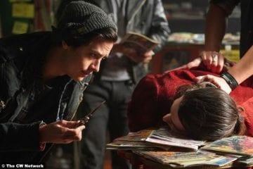 Riverdale S03e17 Cole Sprouse Jughead