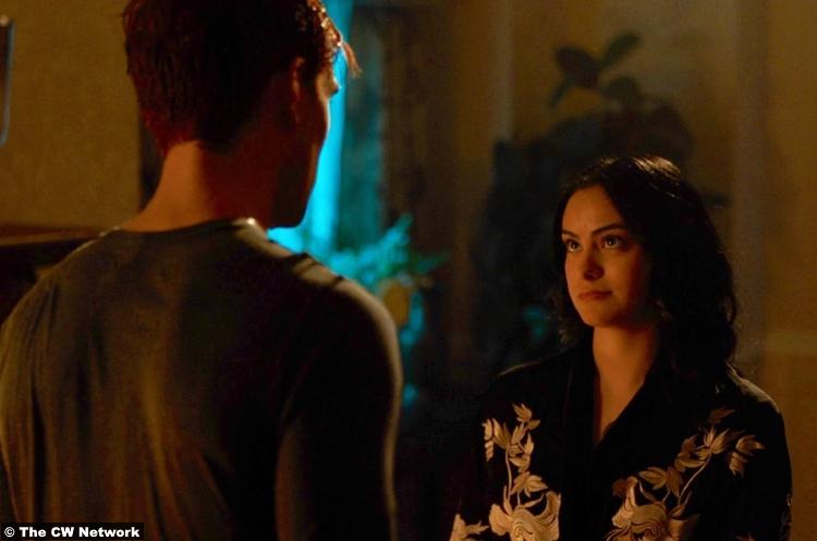 Riverdale S03e19 Camila Mendes Veronica
