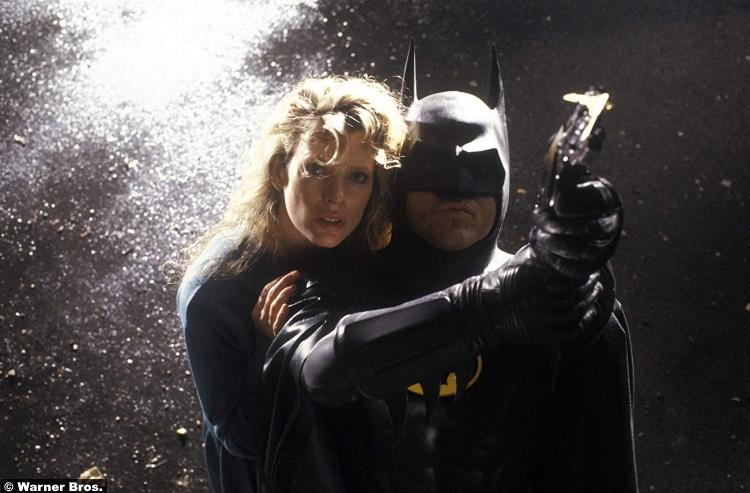 Batman 1989 Michael Keaton Bruce Wayne Kim Basinger Vicki Vale