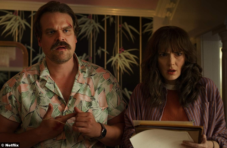 Stranger Things S3 Winona Ryder David Harbour Joyce Byers Jim Hopper