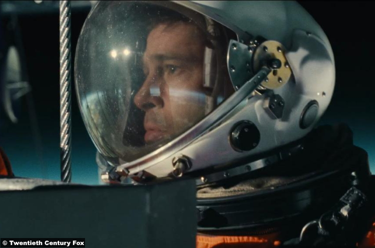 Ad Astra Brad Pitt Roy Mcbride 2