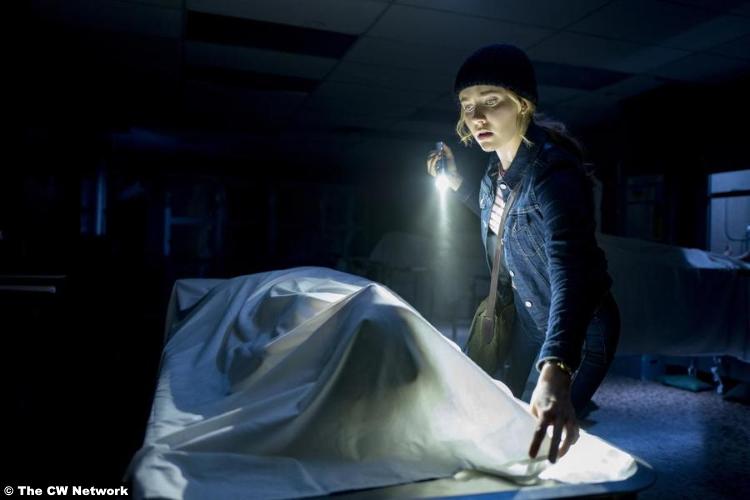 Nancy Drew S01e02 Kennedy Mcmann 2