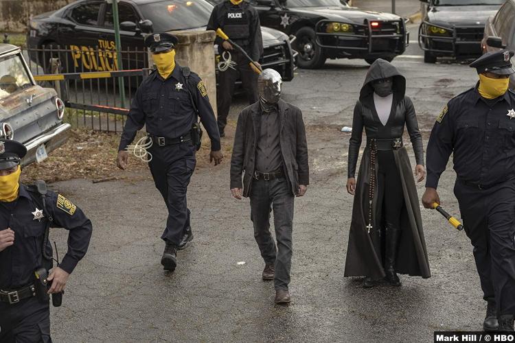 Watchmen S01 Regina King Tim Blake Nelson Angela Abar Looking Glass