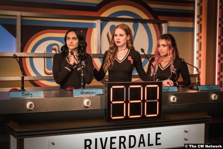 Riverdale S04e11 Camila Mendes Veronica Madelaine Petsch Cheryl Blossom Vanessa Morgan Toni Topaz
