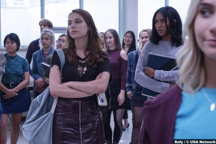 Dare Me S01e08 Marlo Kelly Beth Cassidy Herizen Guardiola Addy Hanlon