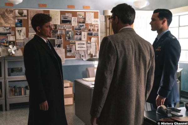 Project Blue Book S02e08 Michael Malarkey Captain Michael Quinn Aiden Gillen Dr Allen Hynek Caspar Phillipson John F Kennedy Jfk